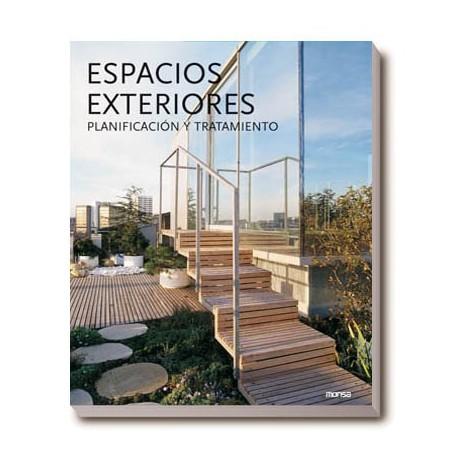 ESPACIOS EXTERIORES